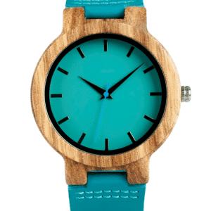 שעון טכנו-רטרו מהודר - עשוי עץ ועור - במראה טבעי