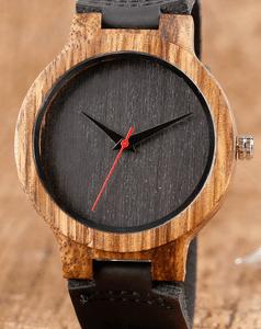 שעון מעוצב לגבר - שילוב של עץ ועור - שחור וחום כהה