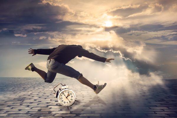 שעון מעורר שיגרום לכם לקפוץ מהמיטה - לוקו0ט – Lowc0st - קונים בחכמה באינטרנט!