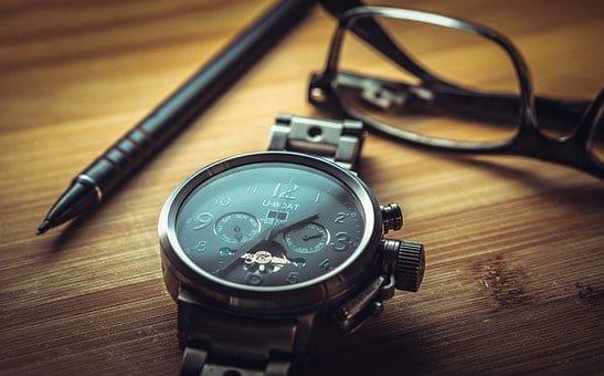 איך להחליף סוללה לשעון בעצמכם