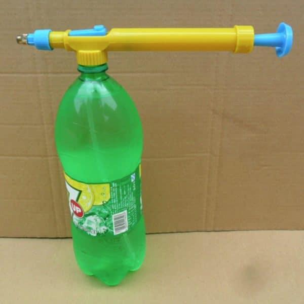רובה מים מתחבר לבקבוק