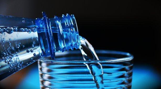 למה חשוב לשתות מים לוקו0ט