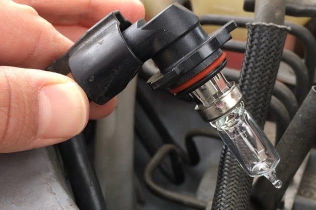 איך להחליף תאורת הלוגן לרכב H1 H3 H4 H7 H8 XENON HELOGEN לרכישה אונליין לוקו0ט מומלץ
